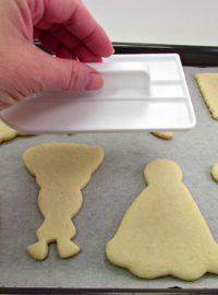 2 Flat Cookies