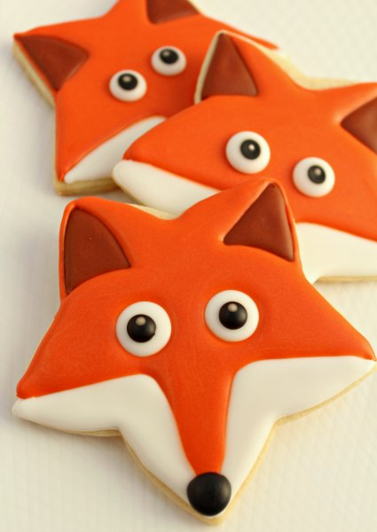 Fox cookies with star cookie cutter