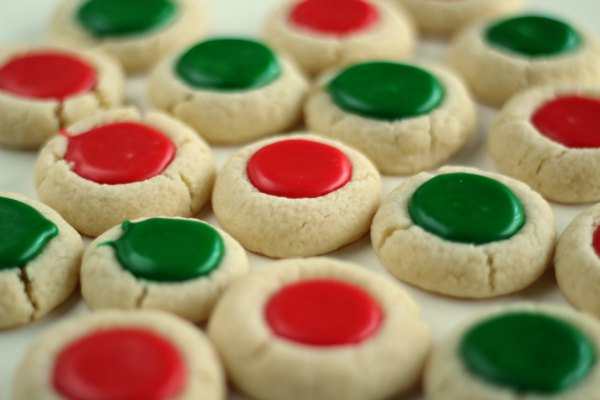 Christmas Thumbprint Cookies! So colorful and delicious!! Yummy sugar cookie filled with icing!!