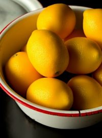 A Bowl of Lemons