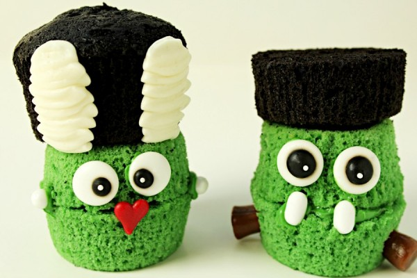 Frankenstein & The Bride of Frankenstein Cupcakes thebearfootbaker.com
