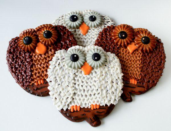 Owl Cookies make with a Pumpkin Cutter by www.thebearfootbaker.com