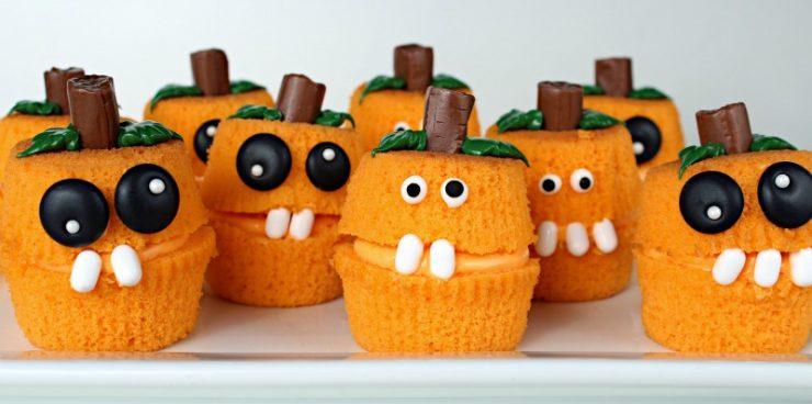 Pumpkin Patch Cupcake Poppers thebearfootbaker.com
