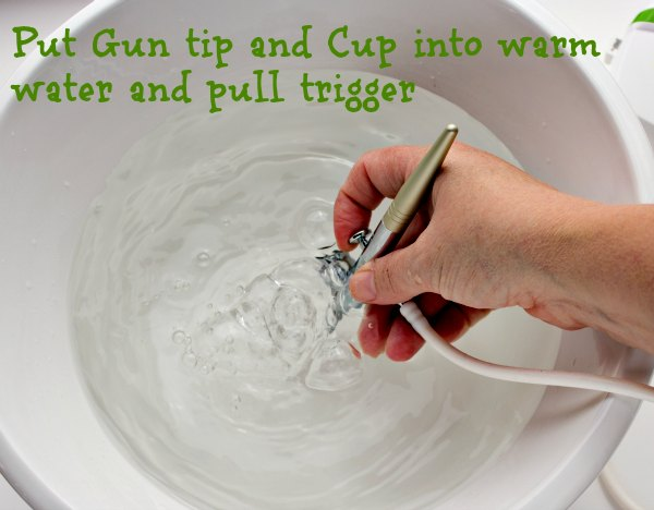 How to Clean an Airbrush Gun | The Bearfoot Baker