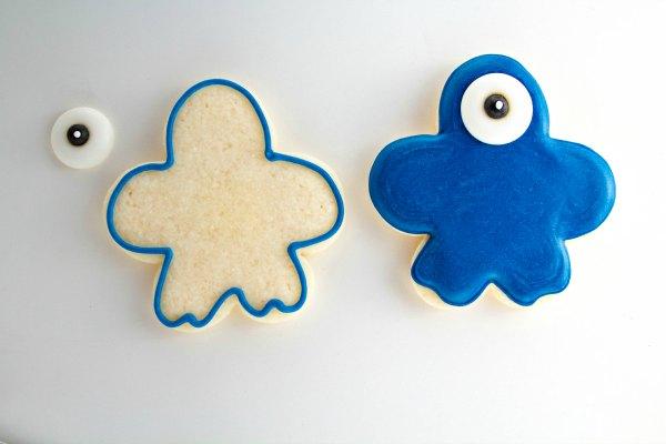 Monster Madness Cookies thebearfootbaker.com
