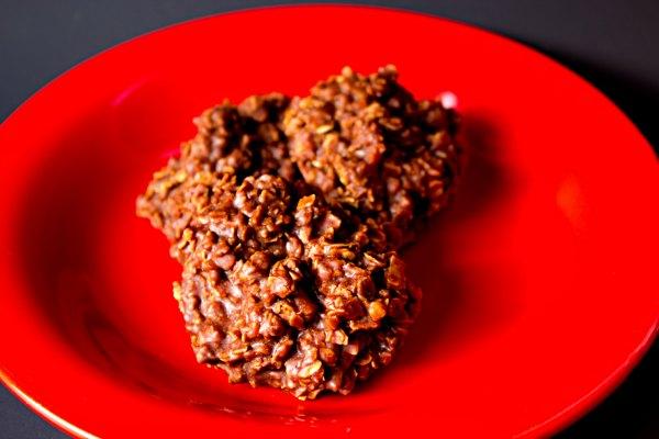 Chocolate Oatmeal Cookies thebearfootbaker.com