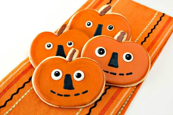 Folk Art Pumpkin Cookies thebearfootbaker.com