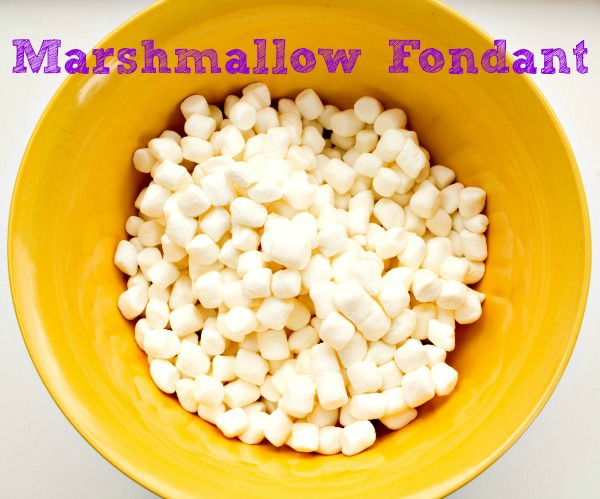 Marshmallow Fondant Recipe thebearfootbaker.com