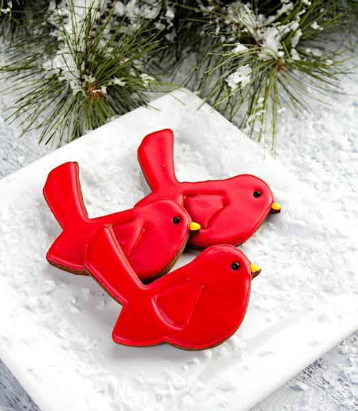 Red Bird Cookies thebearfootbaker.com