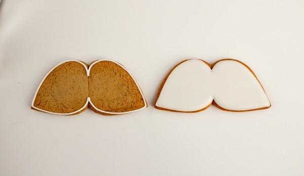 Mustache Cookies thebearfootbaker.com