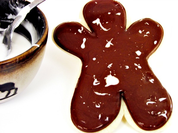Gingerbread Men Cookies by www.thebearfootbaker.com
