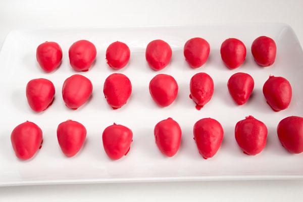 Strawberry Cake Pops