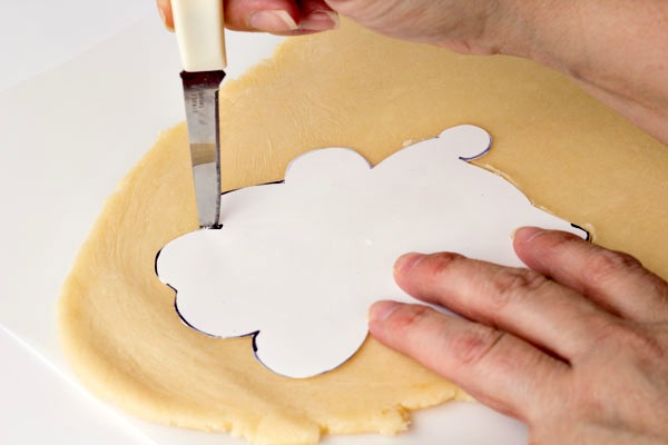 How to Hand Cut Cookie Dough