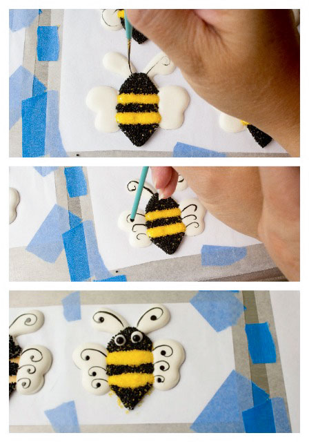 Cute-Bee-Royal-Icing-Transfers-thebearfootbaker.com