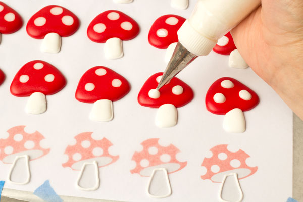 Easy Toadstool Royal Icing Transfers thebearfootbaker.com