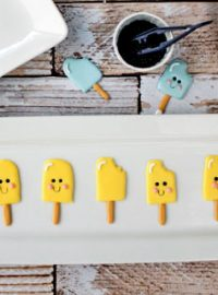 Easy-Popsicle-Royal-Icing-Transfers-thebearfootbaker.com_-(1)