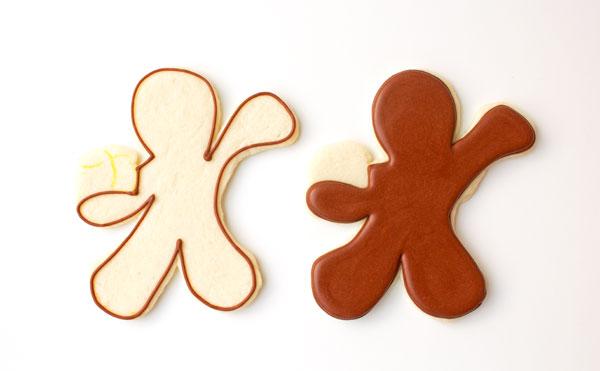Gingerbread Men Coffee Cup Cookies thebearfootbaker.com
