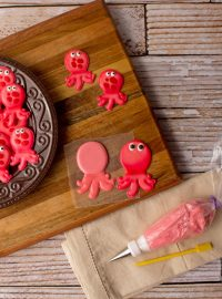 Octopus Royal Icing Transfers with www.thebearfootbaker.com