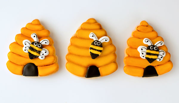 Simple Beehive Cookies by thebearfootbaker.com