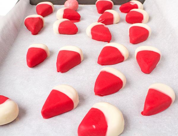 Easy Watermelon Cake Pops www.thebearfootbaker.com