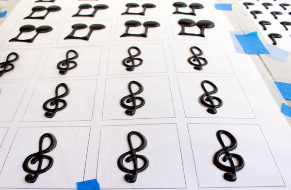 Music Note Royal Icing Transfers with thebearfootbaker.com