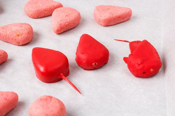 Watermelon Cake Pops www.thebearfootbaker.com