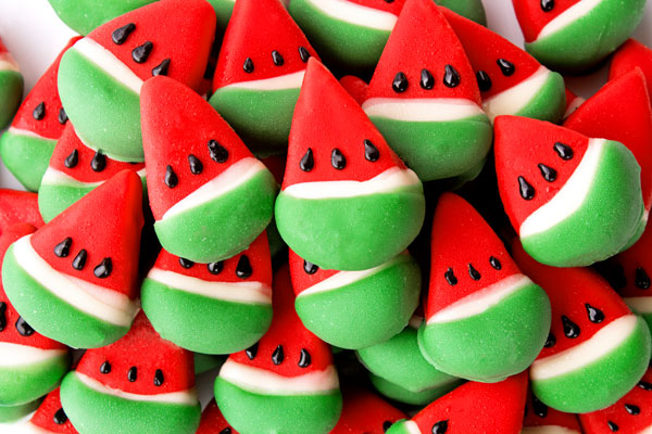 Watermelon Cake pops thebearfootbaker.com