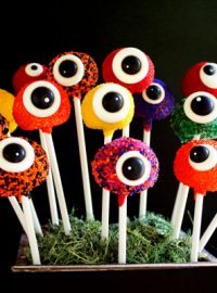 Monster Cake Pops with Royal Icing Eye via thebearfootbaker.com