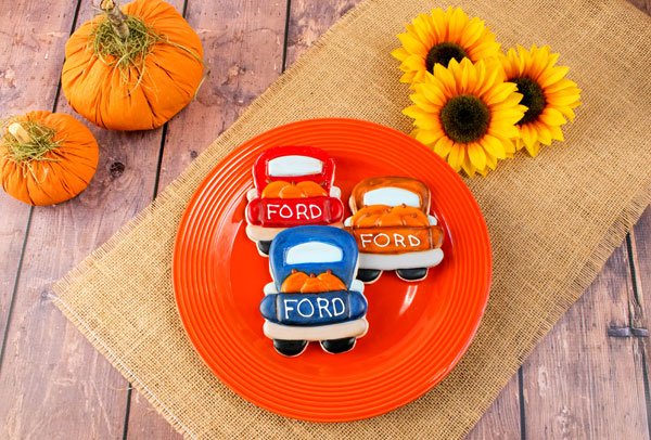 Old Fall Truck with Sweet Sugar Belles Bus Cutter with thebearfootbaker.com