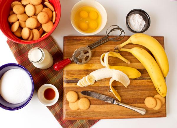 Simple Banana Pudding Recipe thebearfootbaker.com