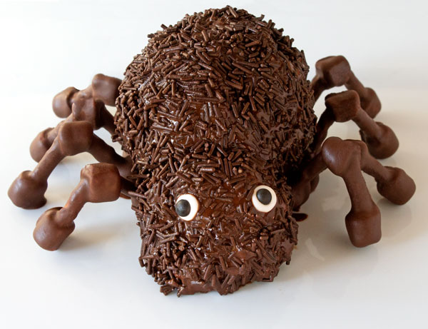 Chocolate Popcorn Ball Spider by thebearfootbaker.com