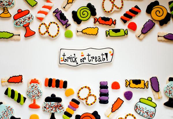 Halloween Candy Cookies via www.thebearfootbaker.com