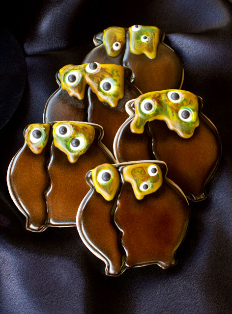 Simple Cauldron Cookies for Halloween by thebearfootbaker.com