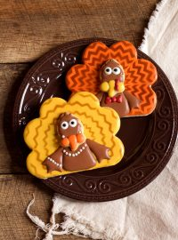 Chevron Turkey Cookies with www.thebearfootbaker.com