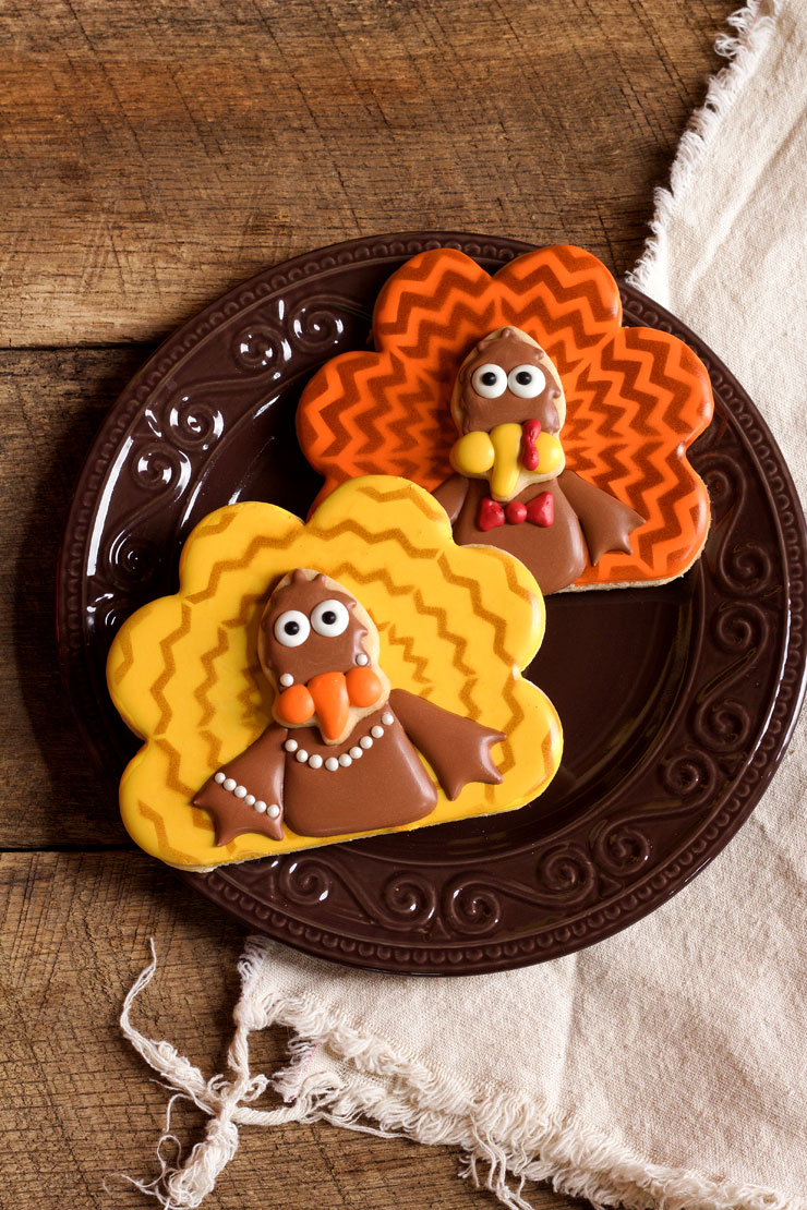 Chevron Turkey Cookies with www.thebearfootbaker.com