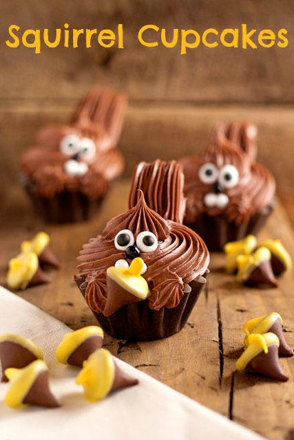 Cute Squirrel Cupcakes by thebearfootbaker.com