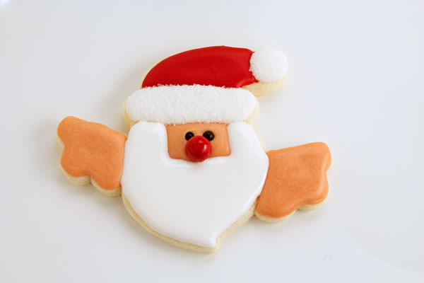 Easy Santa Cookies that Hang on a Cup with thebearfootbaker.com