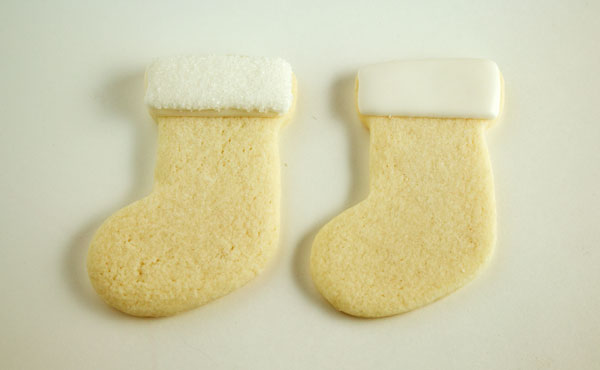 Easy Stocking Place Card Cookies with www.thebearfootbaker.com
