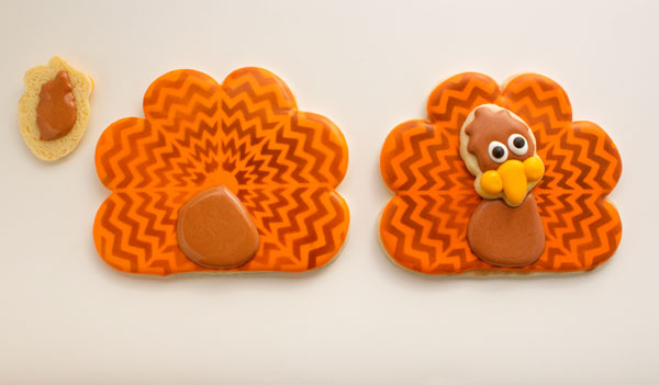 Fun Chevron Cookies via thebearfootbaker.com
