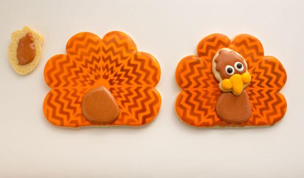 Fun Chevron Cookies via thebearfootbaker.com