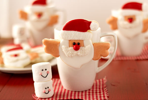 Santa Cookies that Hang on a Cup by www.thebearfootbaker.com