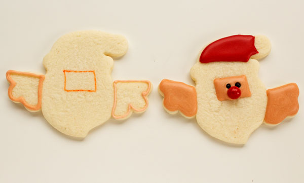 Santa Cookies that Hang on a Cup via www.thebearfootbaker.com