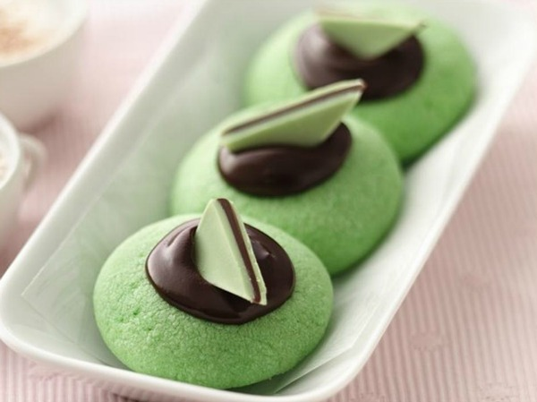 20+ Christmas Cookie Recipes via thebearfootbaker.com Chocolate Mint Thumbprints by Betty Crocker