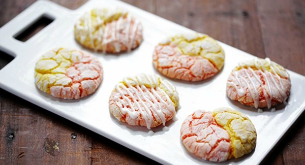 20+ Christmas Cookie Recipes via thebearfootbaker.com Strawberry Lemonade Cookies by Gimme Some Oven
