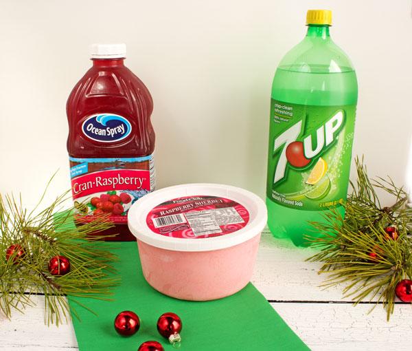 Christmas Punch via www.thebearfootbaker.com
