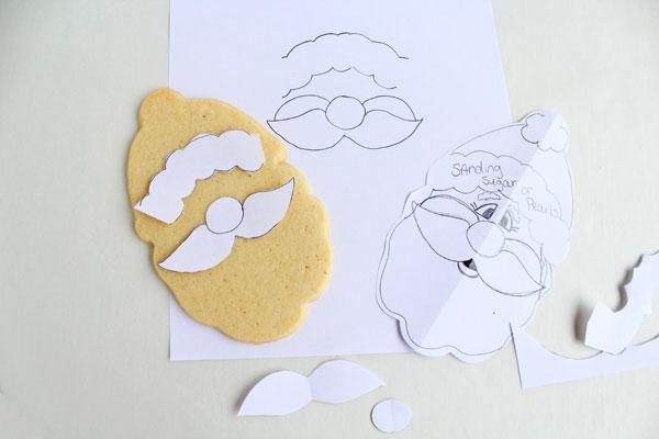 Cute Santa Cookies via www.thebearfootbaker.com