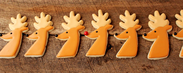 Easy Reindeer-Cookies-Not-Airbrushed with thebearfootbaker.com