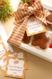 Gingerbread Cookie Recipe and How to Send a Box of Cheer with a Free Printable Tag via thebearfootbaker.com