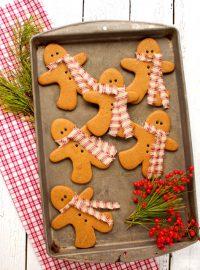 Gingerbread Men Cookies as Decorations via www.thebearfootbaker.com