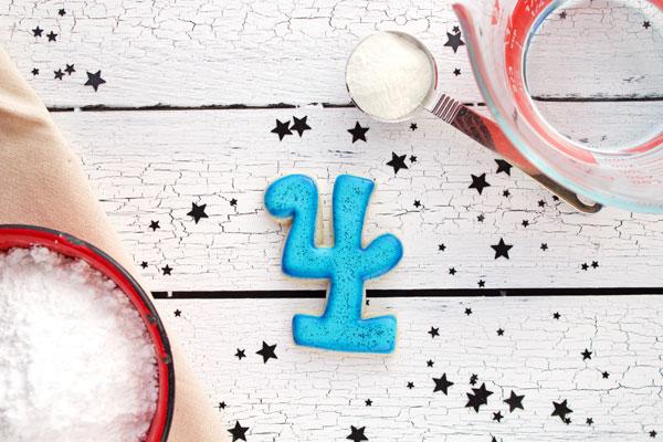 Happy New Year 2014 Cookies  thebearfootbaker.com